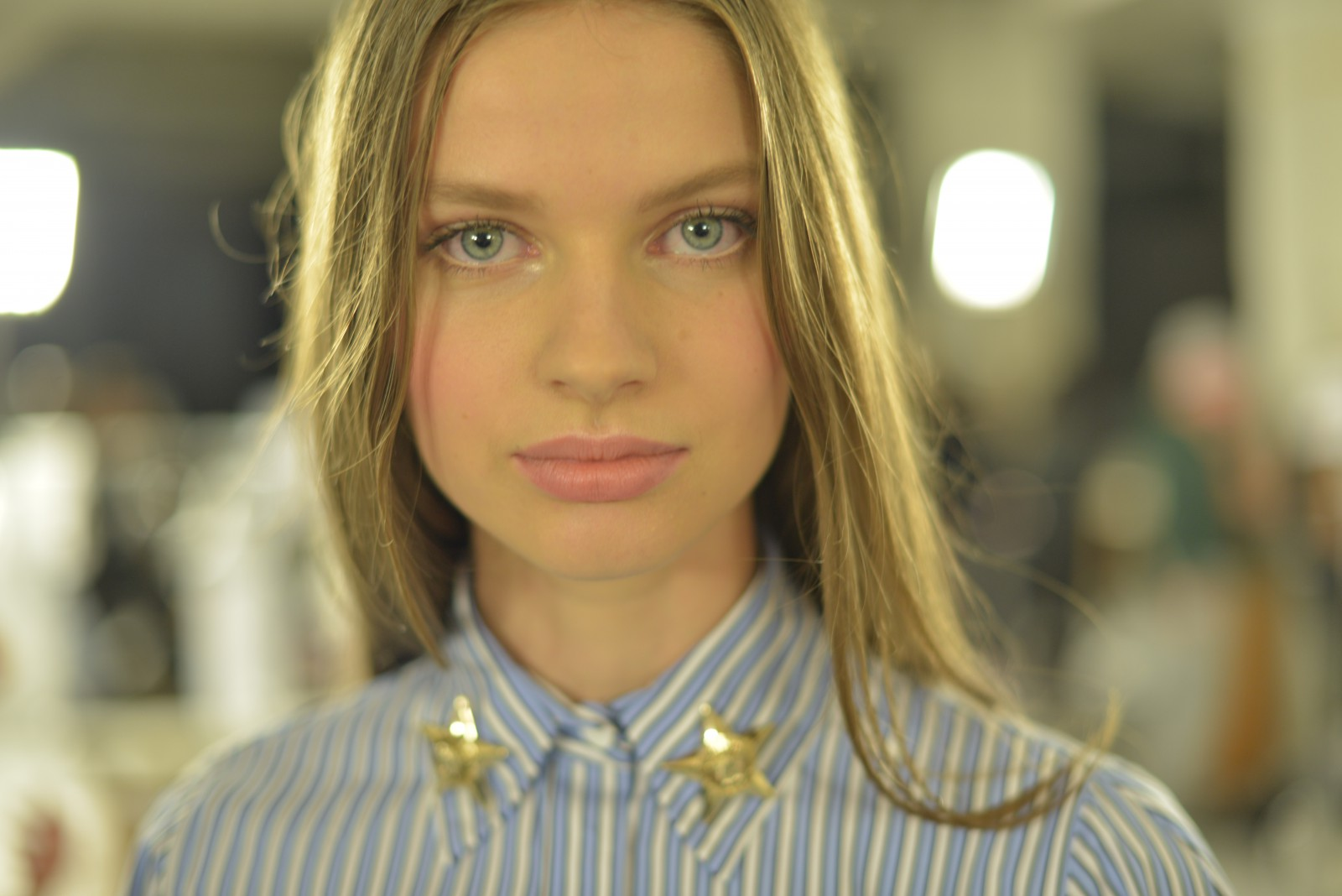 Milan van Eeten backstage at Versace's SS16 collection